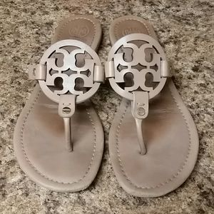 Miller Sandals by Tory Burch ➡ Makeup Color